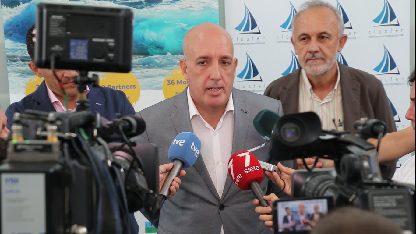 El Clúster Marítimo Marino de Andalucía analiza el potencial de la costa como generadora de energías renovables marinas