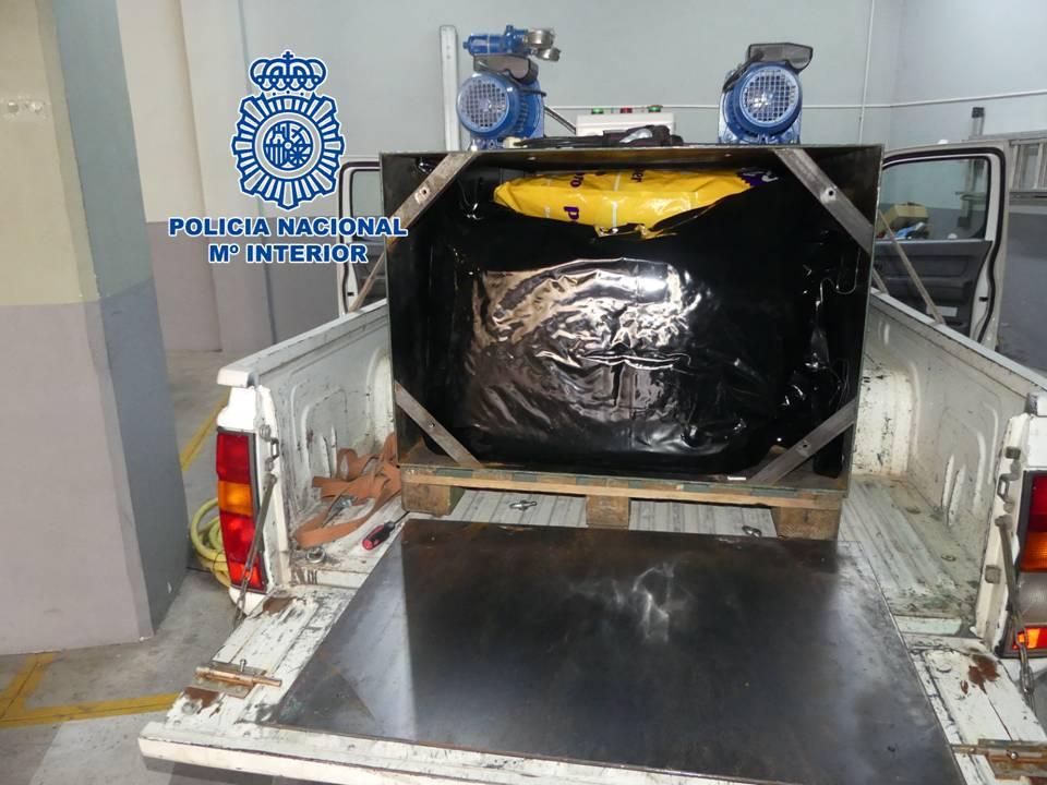 A prisión por llevar ocultos 50 kilos de marihuana en un camión de desatranque de tuberías