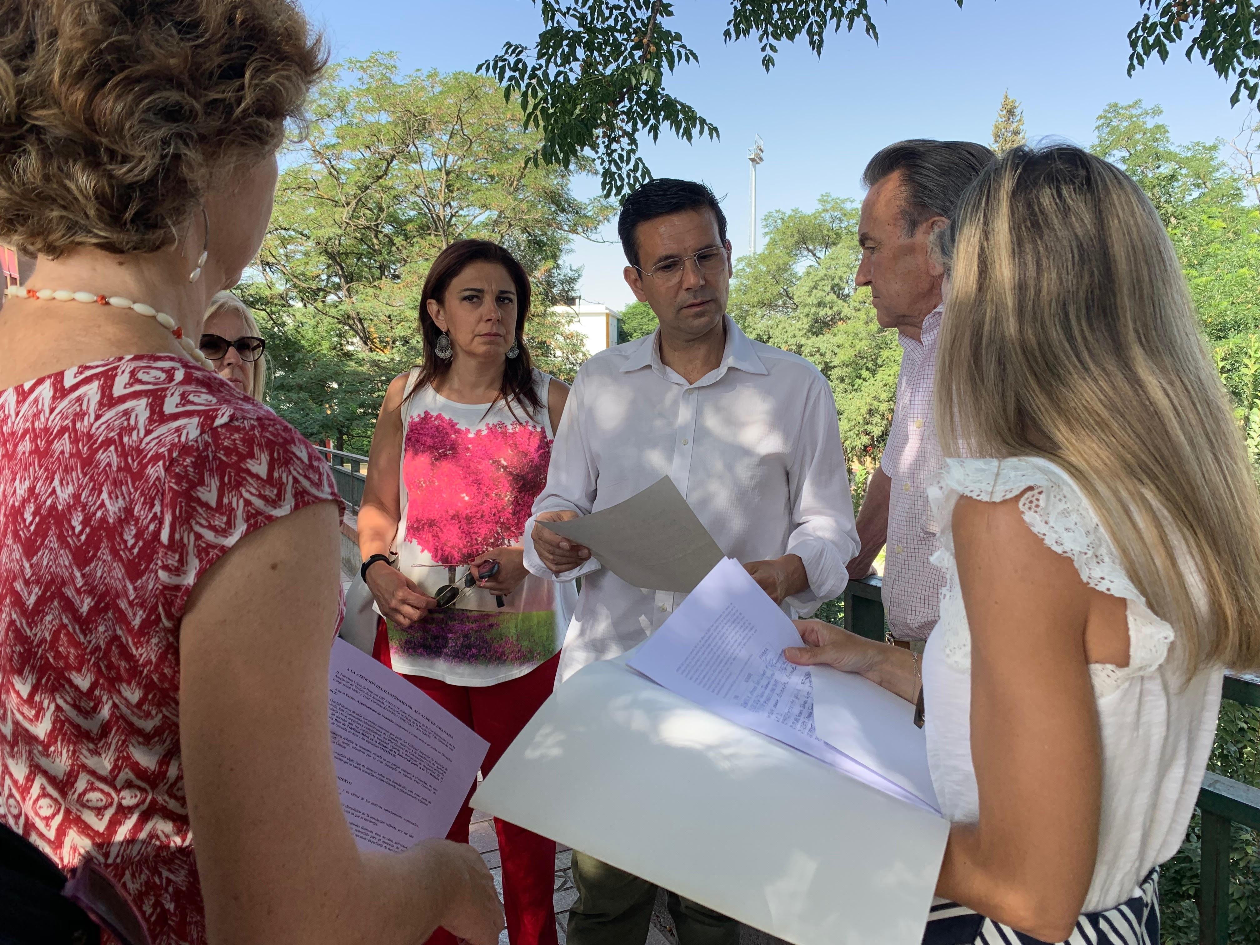 Cuenca pide a la Junta explicaciones sobre los efectos de la antena del estadio de la Juventud en la salud de los vecinos