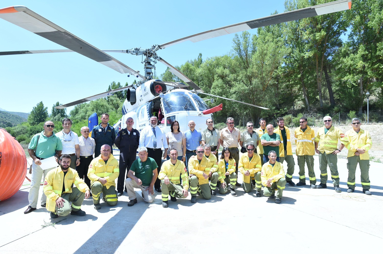 """La Junta resalta """"el compromiso"""" del personal técnico que lucha contra los incendios forestales"""