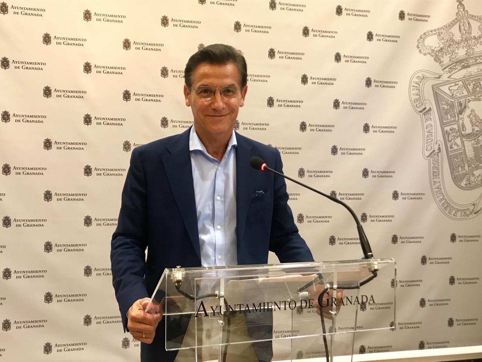 Luis Salvador planteará al presidente de la Junta la ampliación del metro y un impulso a la movilidad sostenible