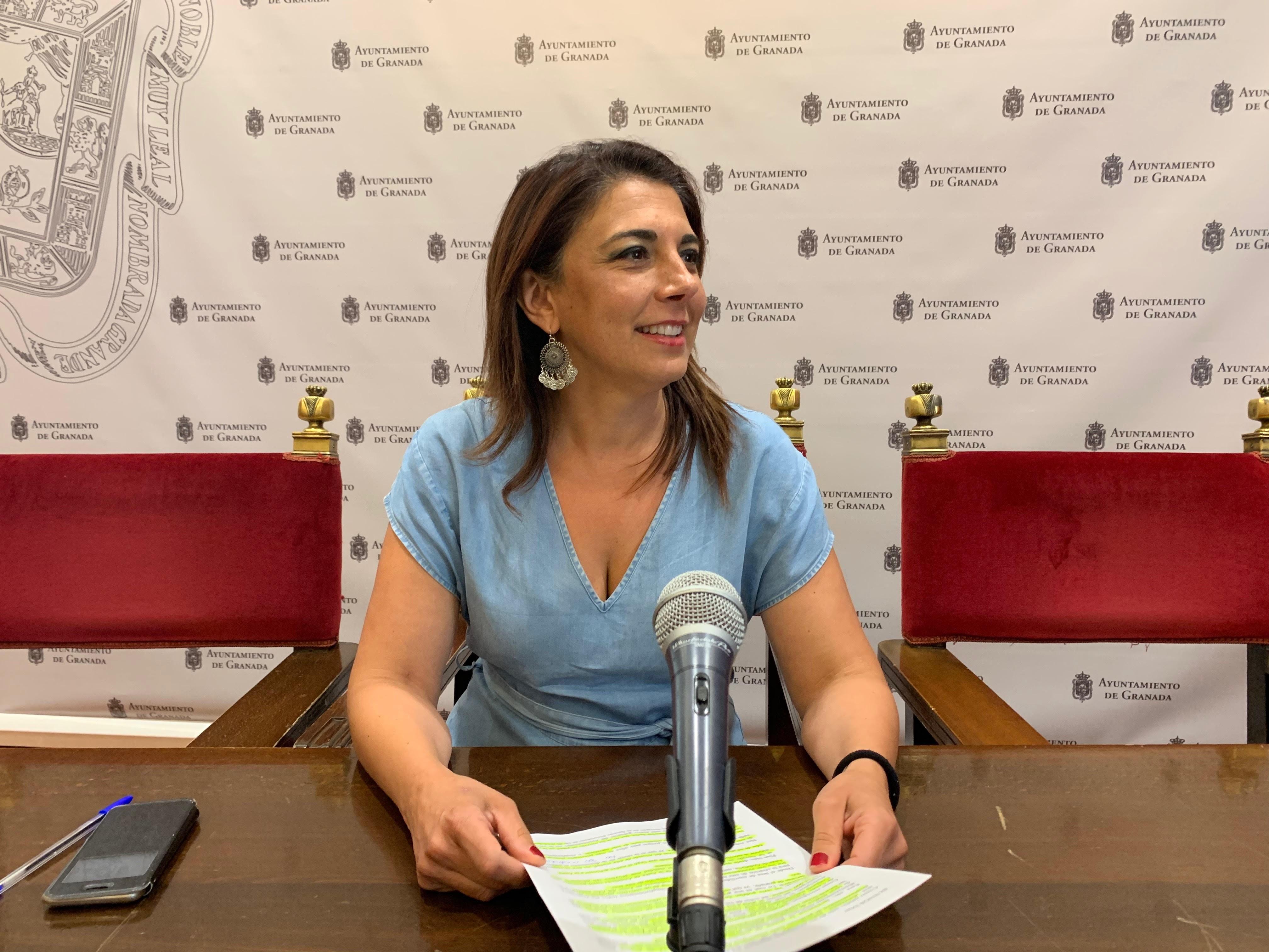El PSOE reprocha a la Junta que no tramite el área de prestación conjunta del taxi aprobada hace un año