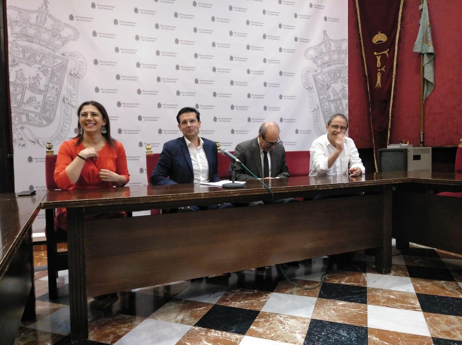 El PSOE insta a Vox a rechazar en el pleno de organización la estructura del gobierno de PP y Cs