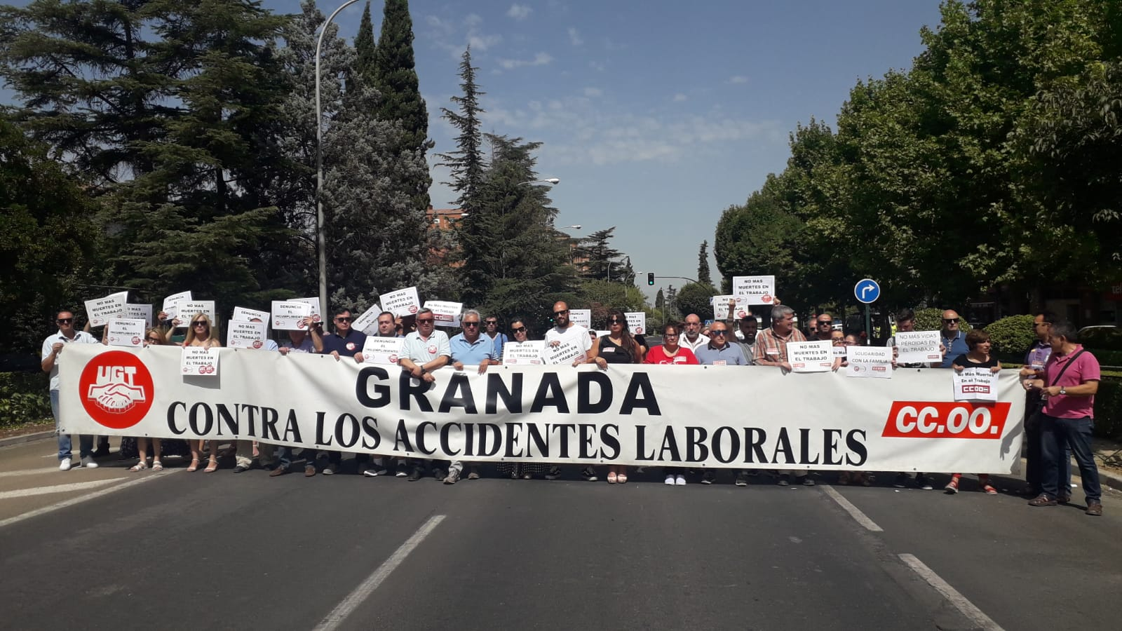Los sindicatos califican de accidente laboral la muerte de una trabajadora en un accidente cuando volvía a casa