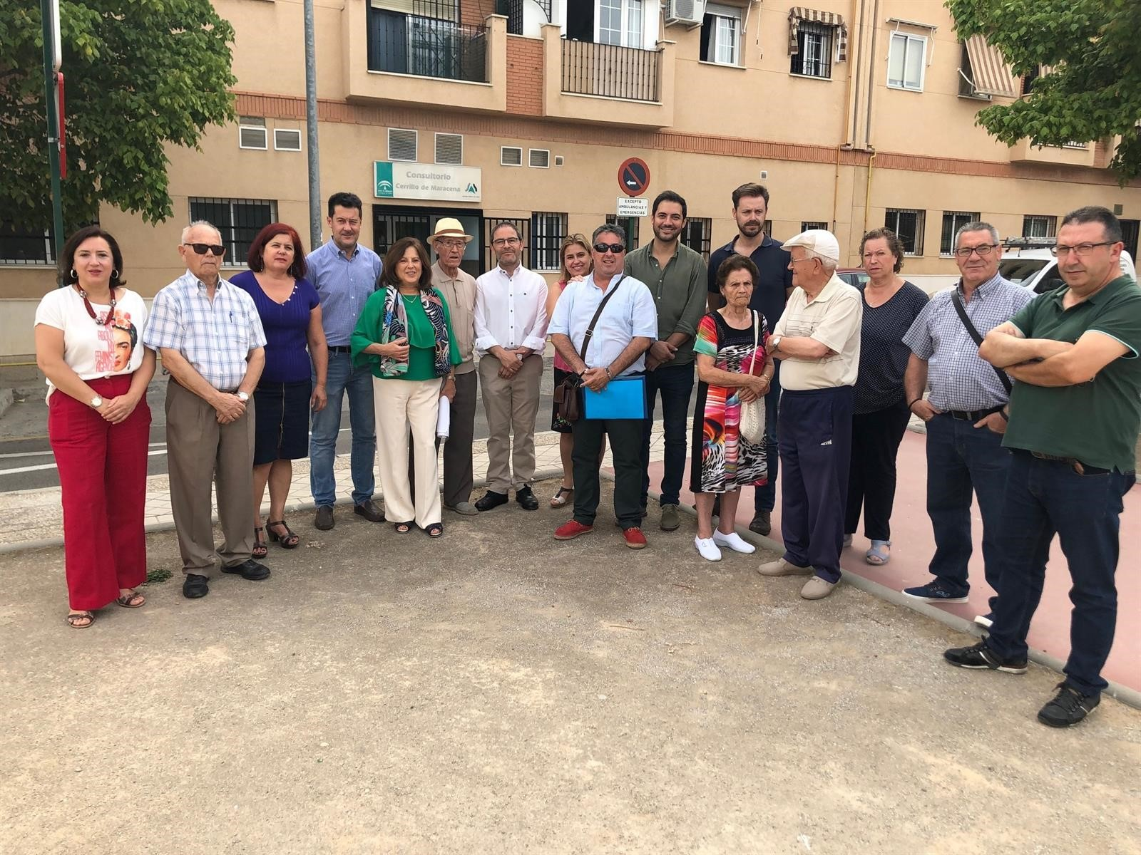 El PSOE critica el «deterioro de la sanidad pública» con el cierre de consultores y recortes en profesionales