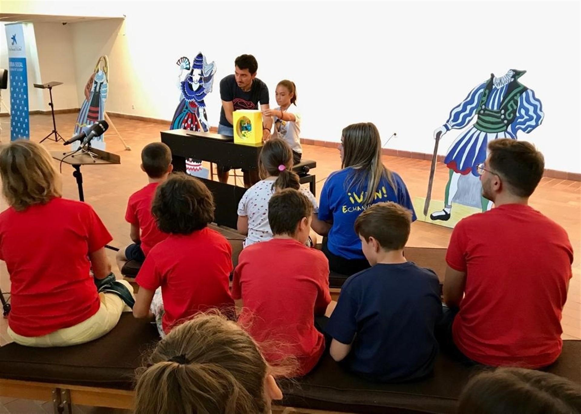 Impulsan un taller para acercar 'El sombrero de tres picos' a menores en desventaja social
