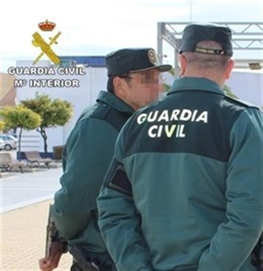 Dos detenidos acusados de atracar a un joven abordándolo por la espalda en Almuñécar