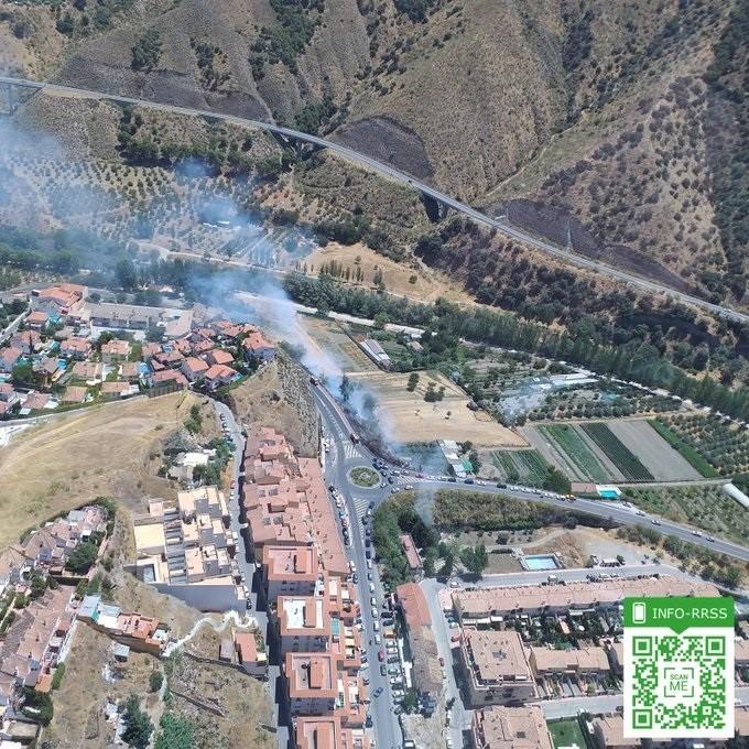 El incendio de Cenes de la Vega se queda en conato al calcinar 0,2 hectáreas de pasto