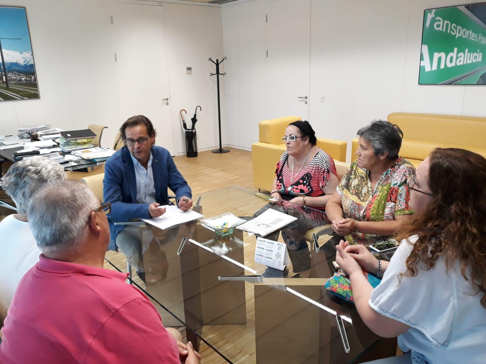 Granados se reúne con la asociación de vecinos de Santa Adela