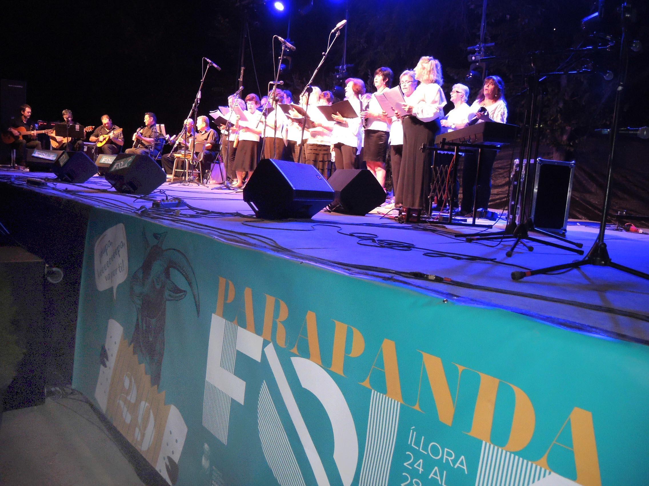 Canciones tradicionales del pueblo en el Parapanda Folk de Illora