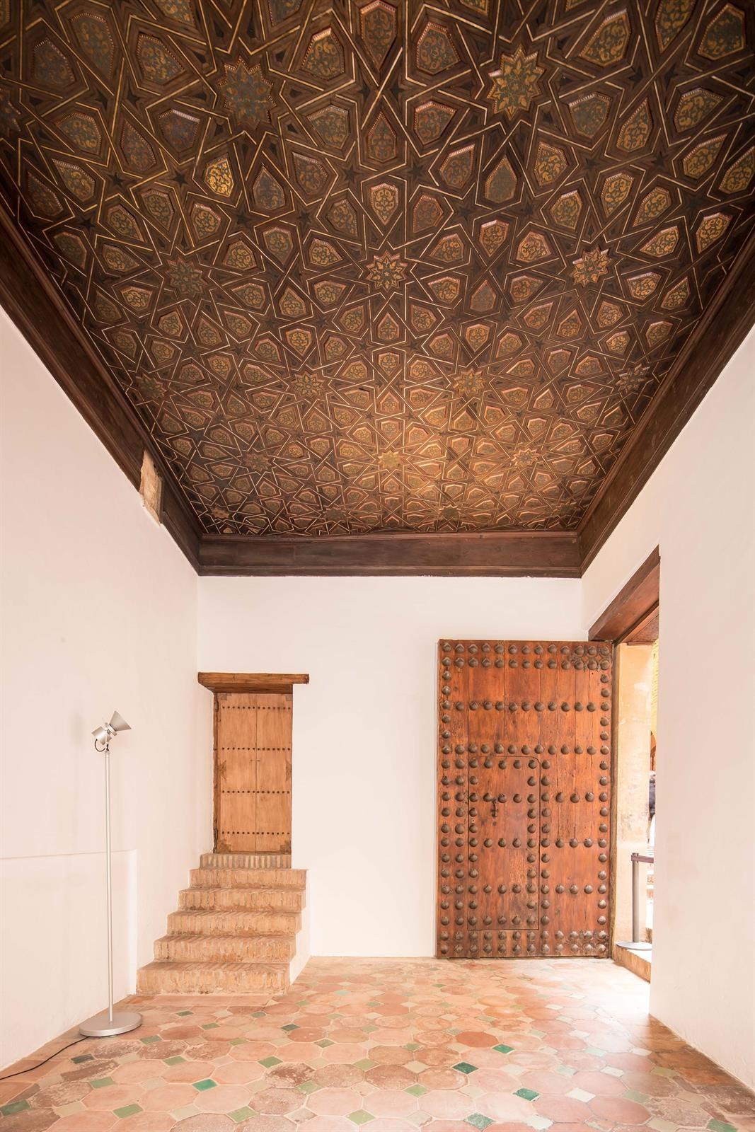 La Alhambra abre en agosto de forma excepcional el Vestíbulo del Alcázar