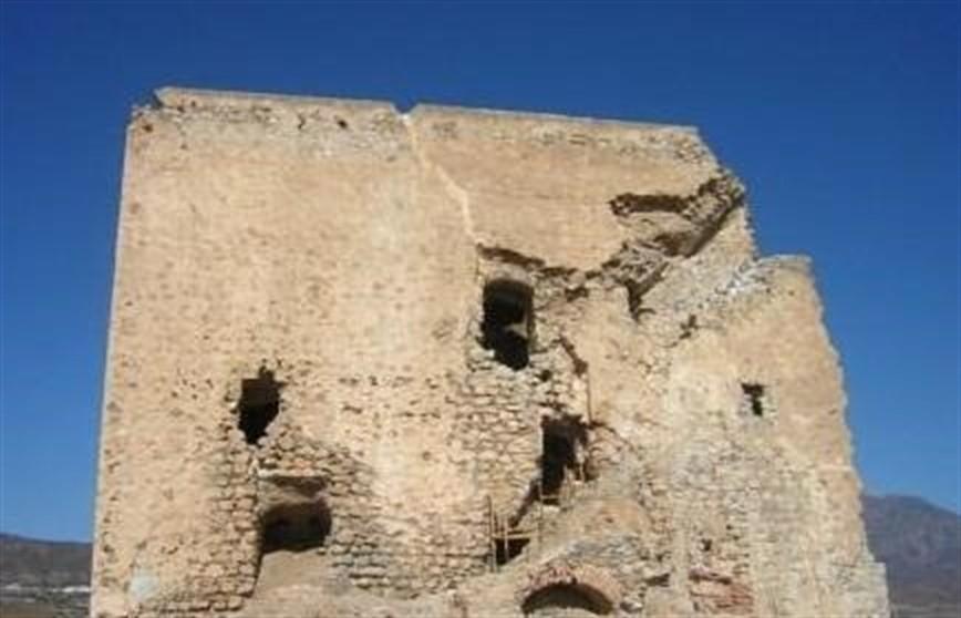 Castell de Ferro solicita el cierre del acceso al castillo para rehabilitarlo