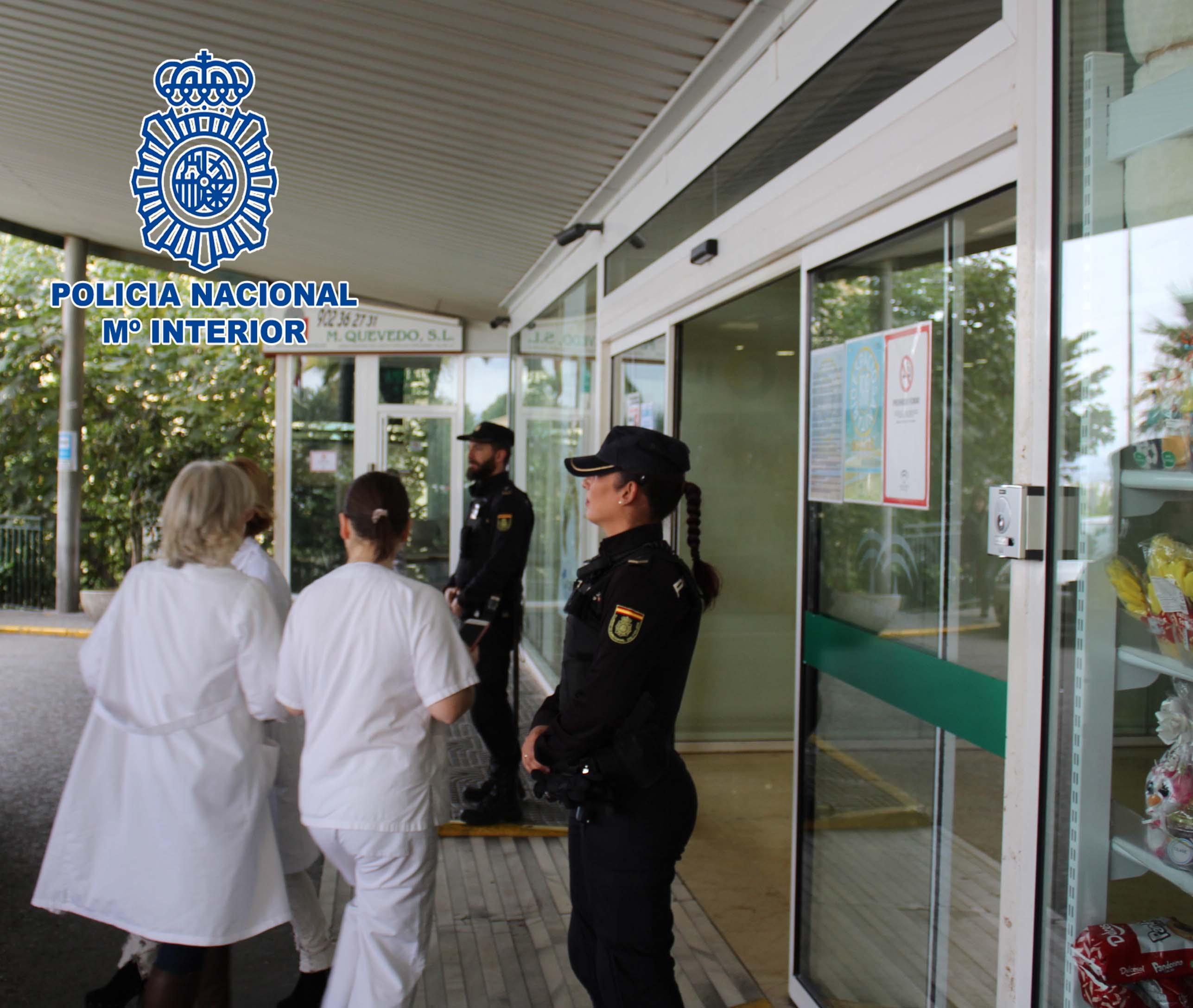 Dos detenidos por agredir al personal de dos hospitales en Granada