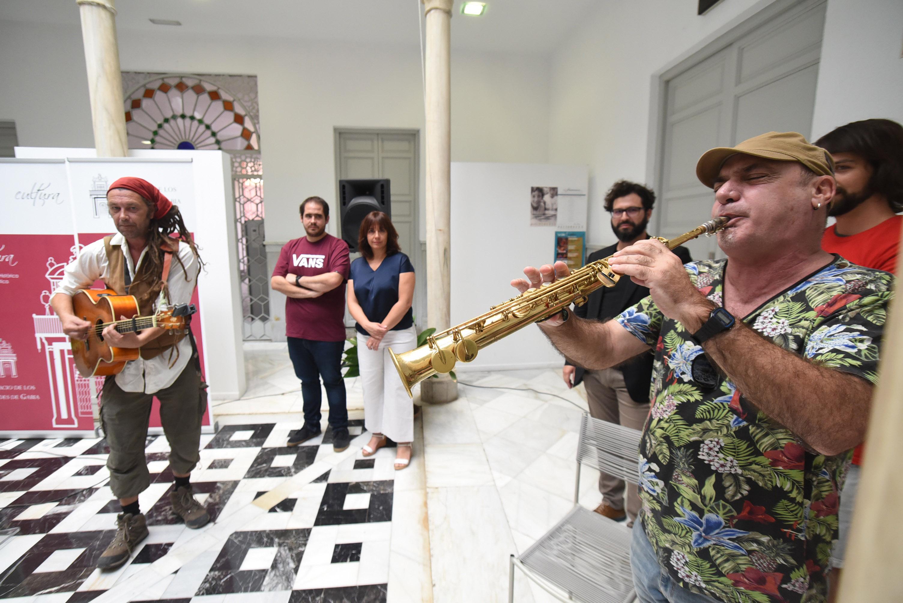 El Sulayr ya llena las calles de Pampaneira de música y tradiciones de todo el mundo