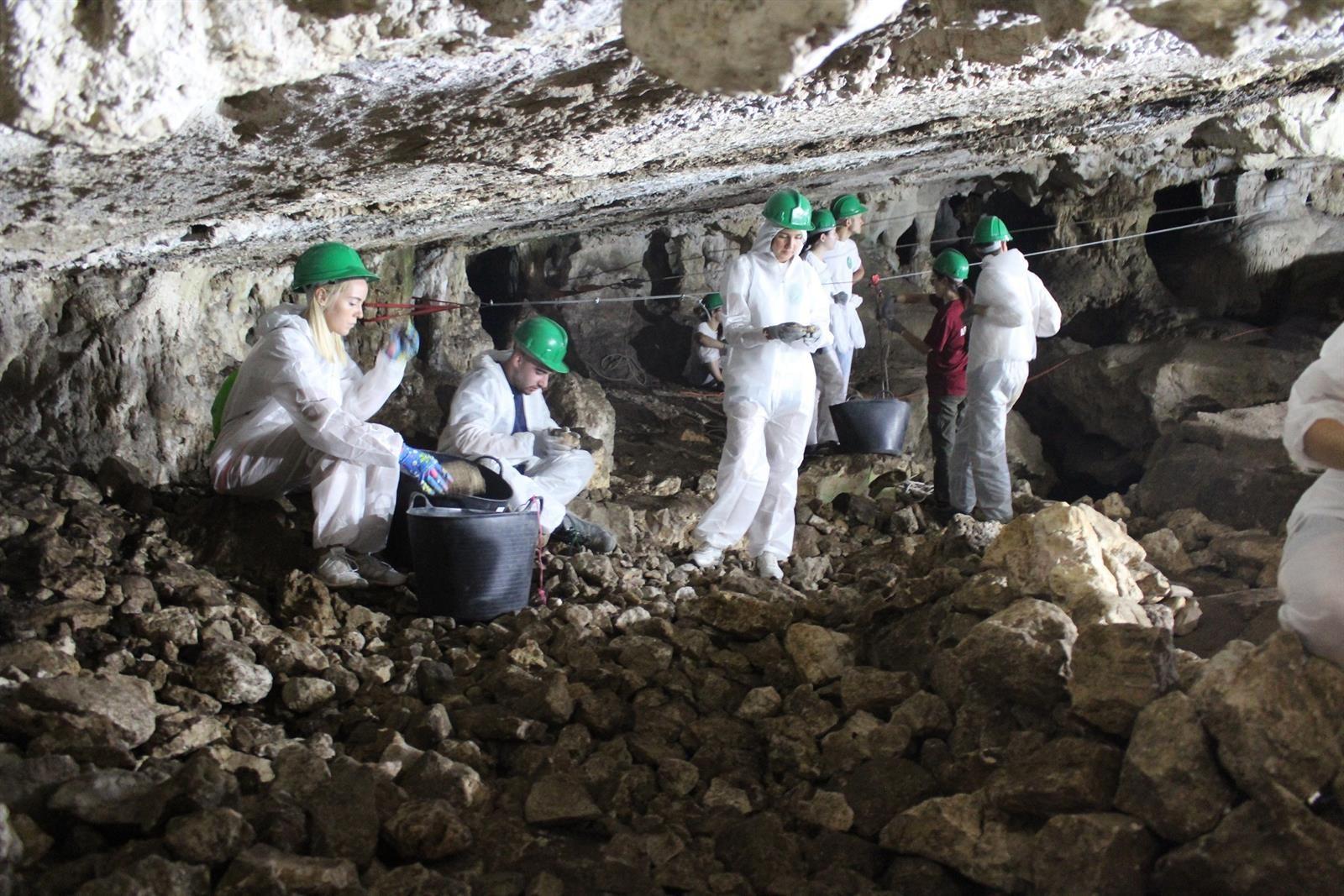 La cueva prehistórica de Malalmuerzo en Moclín también fue ocupada en época nazarí