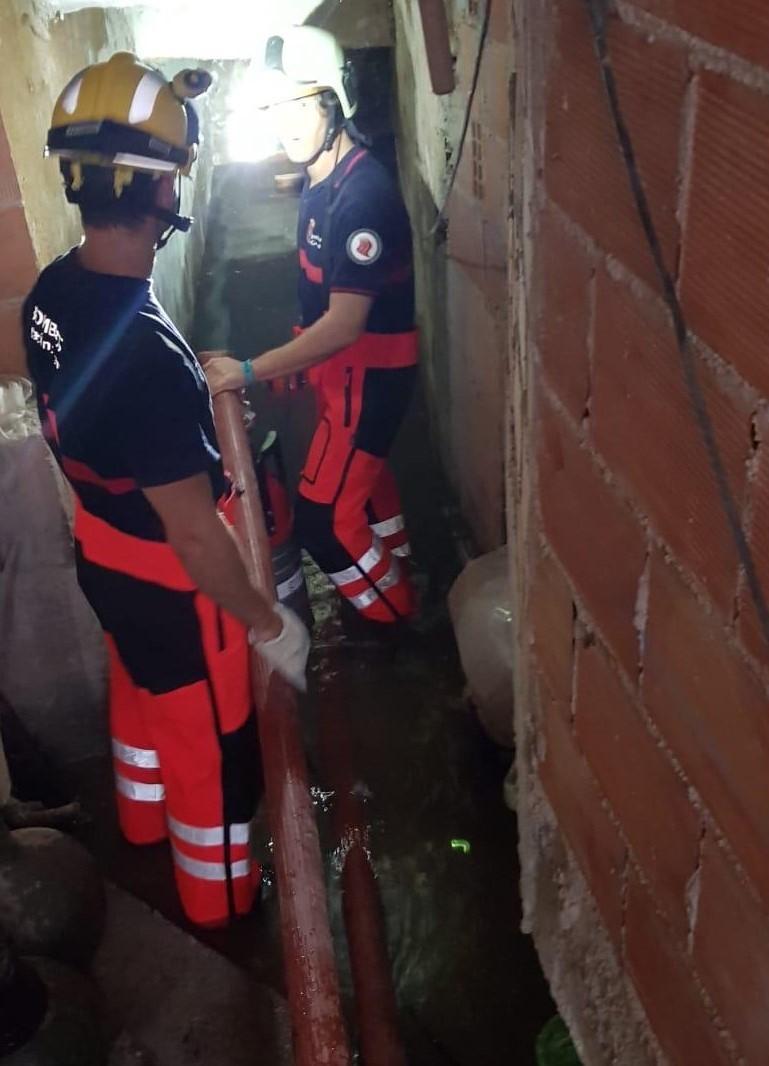 Huéscar evalúa daños en unas 30 casas tras una feroz tormenta el miércoles