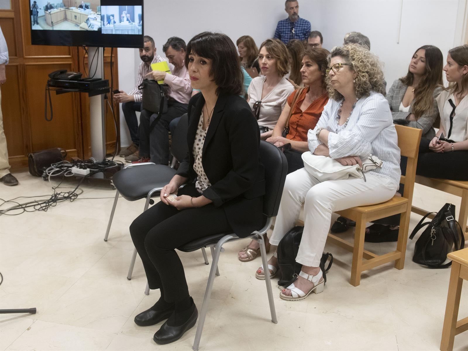 Juana Rivas pide que los poderes públicos se «hagan cargo» de sus hijos en vez de que vuelvan a Italia