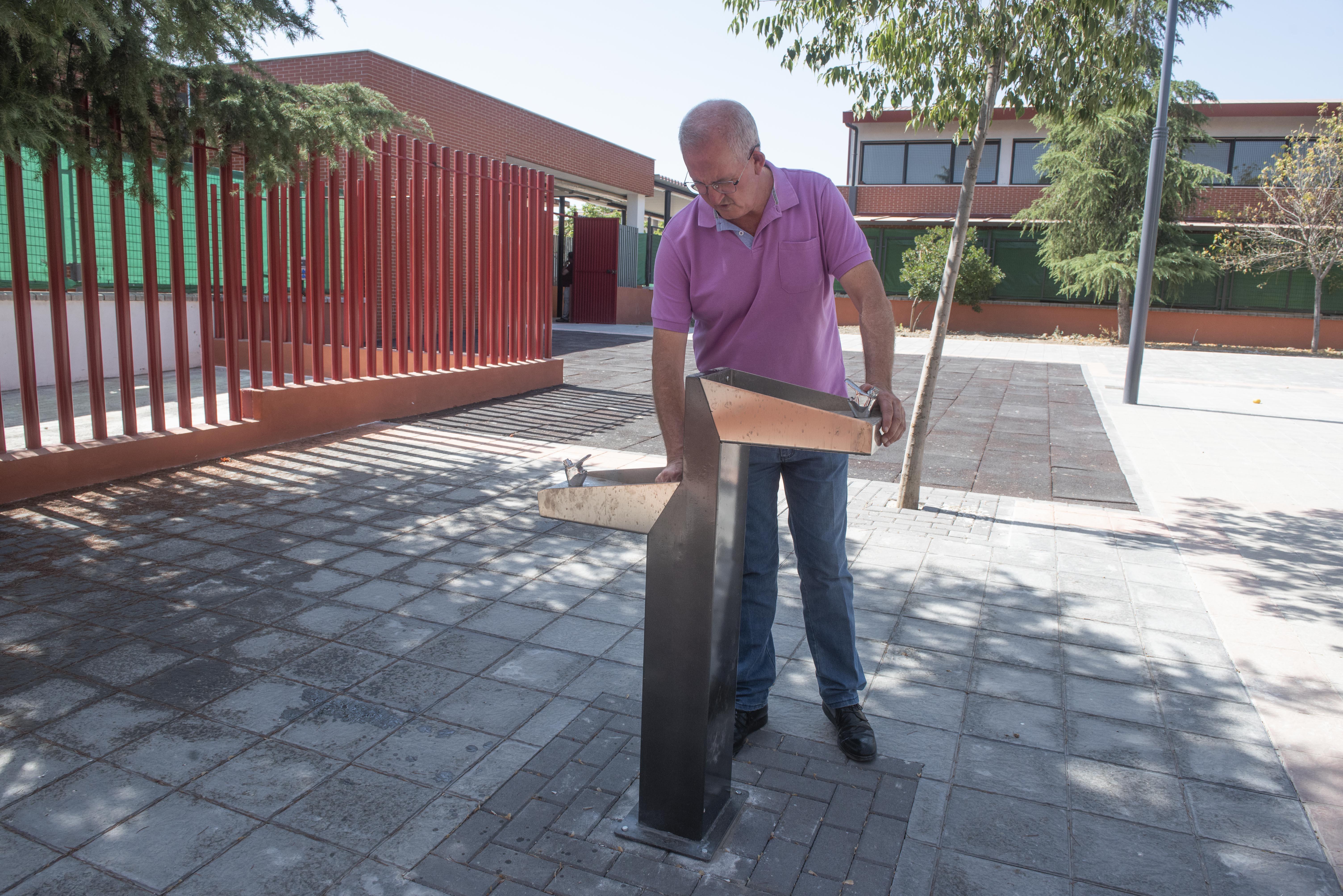 Armilla prepara la vuelta a las aulas con obras en los colegios
