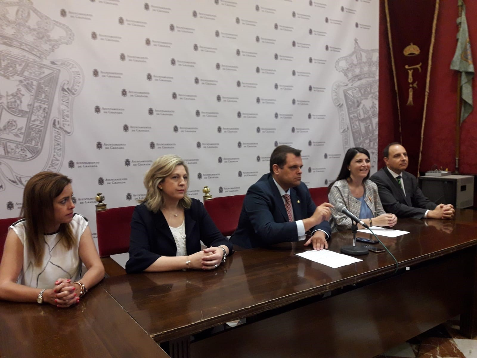 Vox pide amparo ante el Defensor del Pueblo Andaluz por el «desgobierno» en el Ayuntamiento