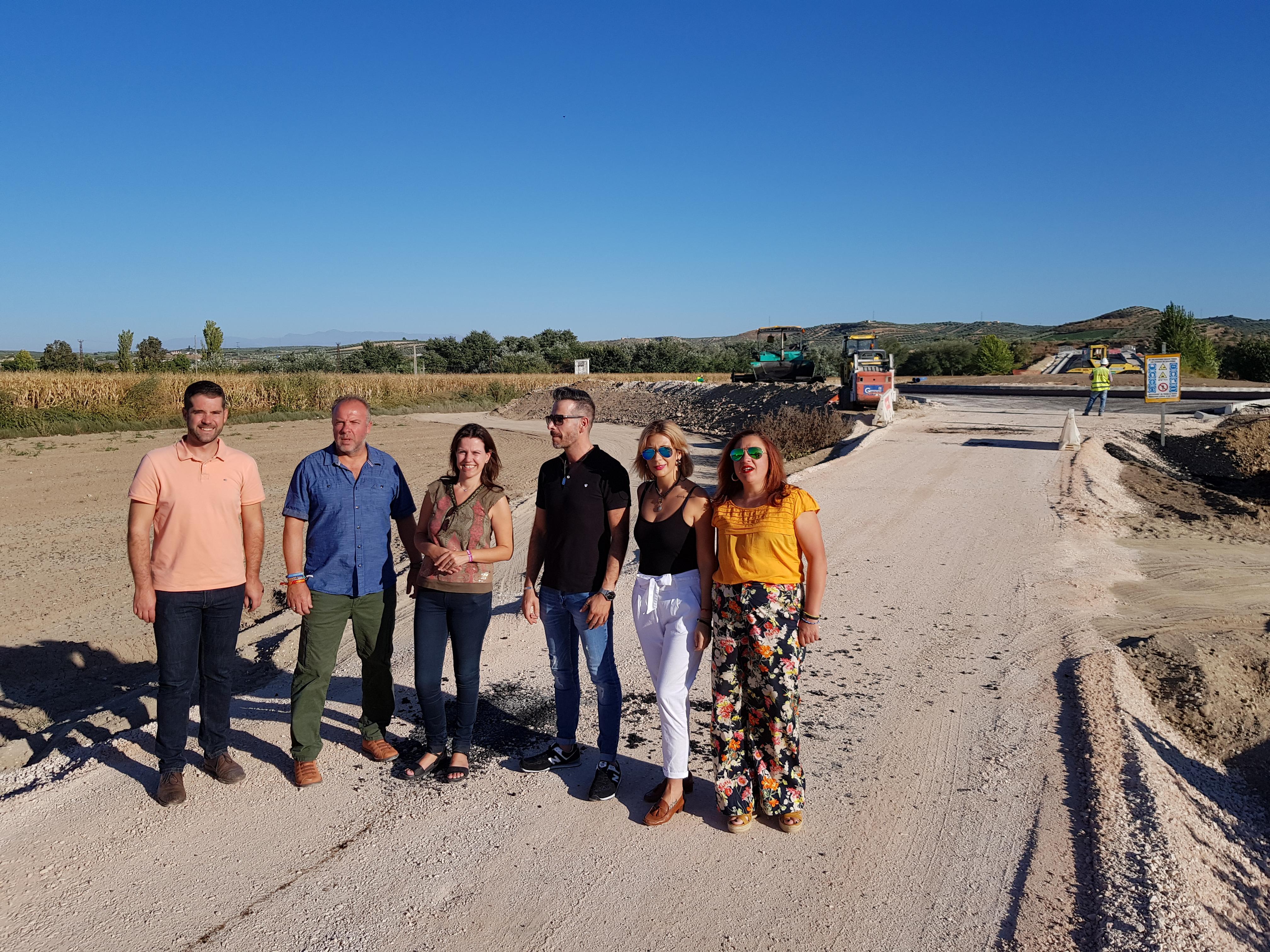 """El PP acusa al alcalde de Huétor Tájar de """"desidia e inoperancia"""" al dejar pasar once años sin ejecutar los accesos al nuevo puente que ya construye la Junta de Andalucía"""