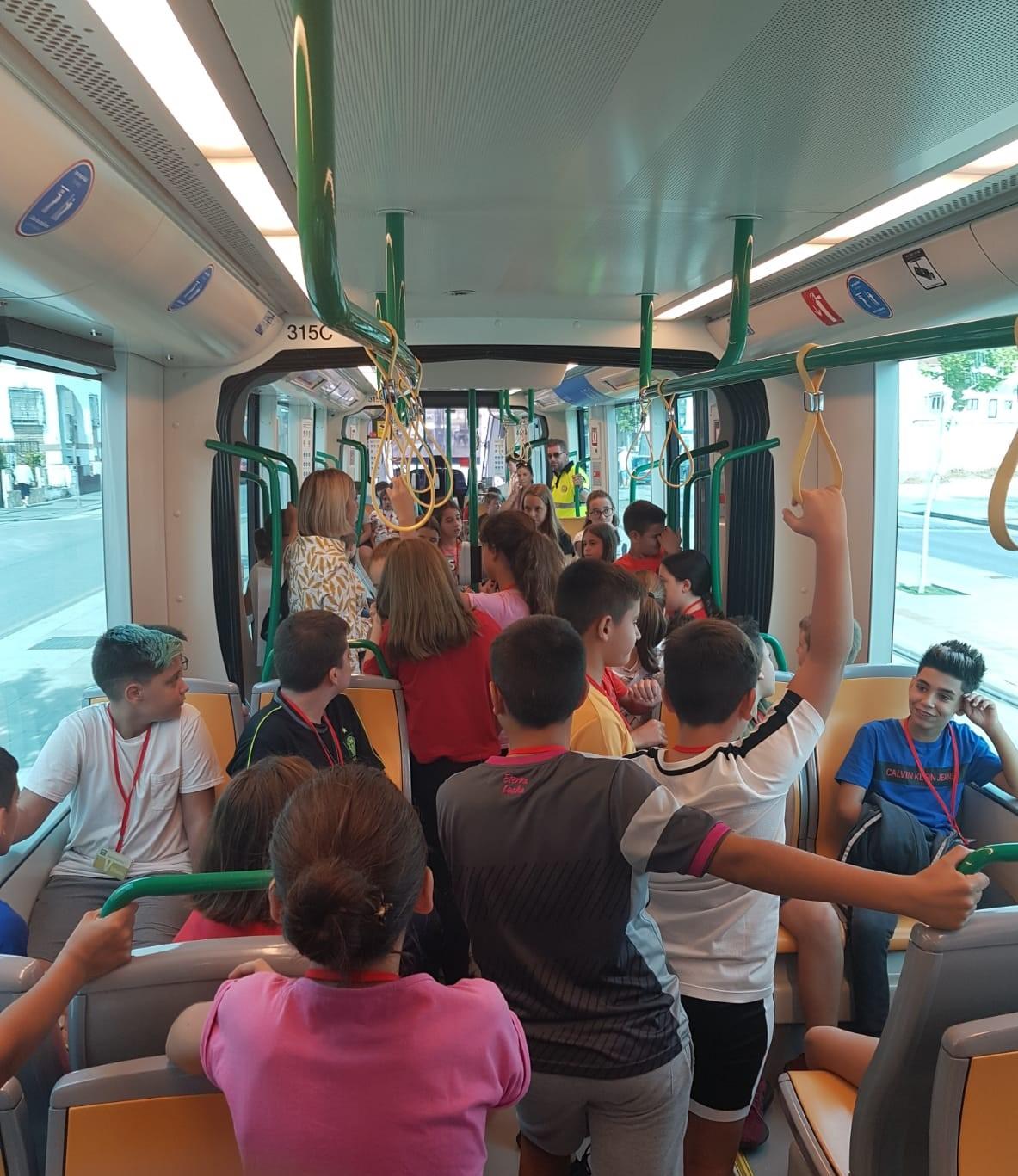 El metro inicia un aula informativa para escolares