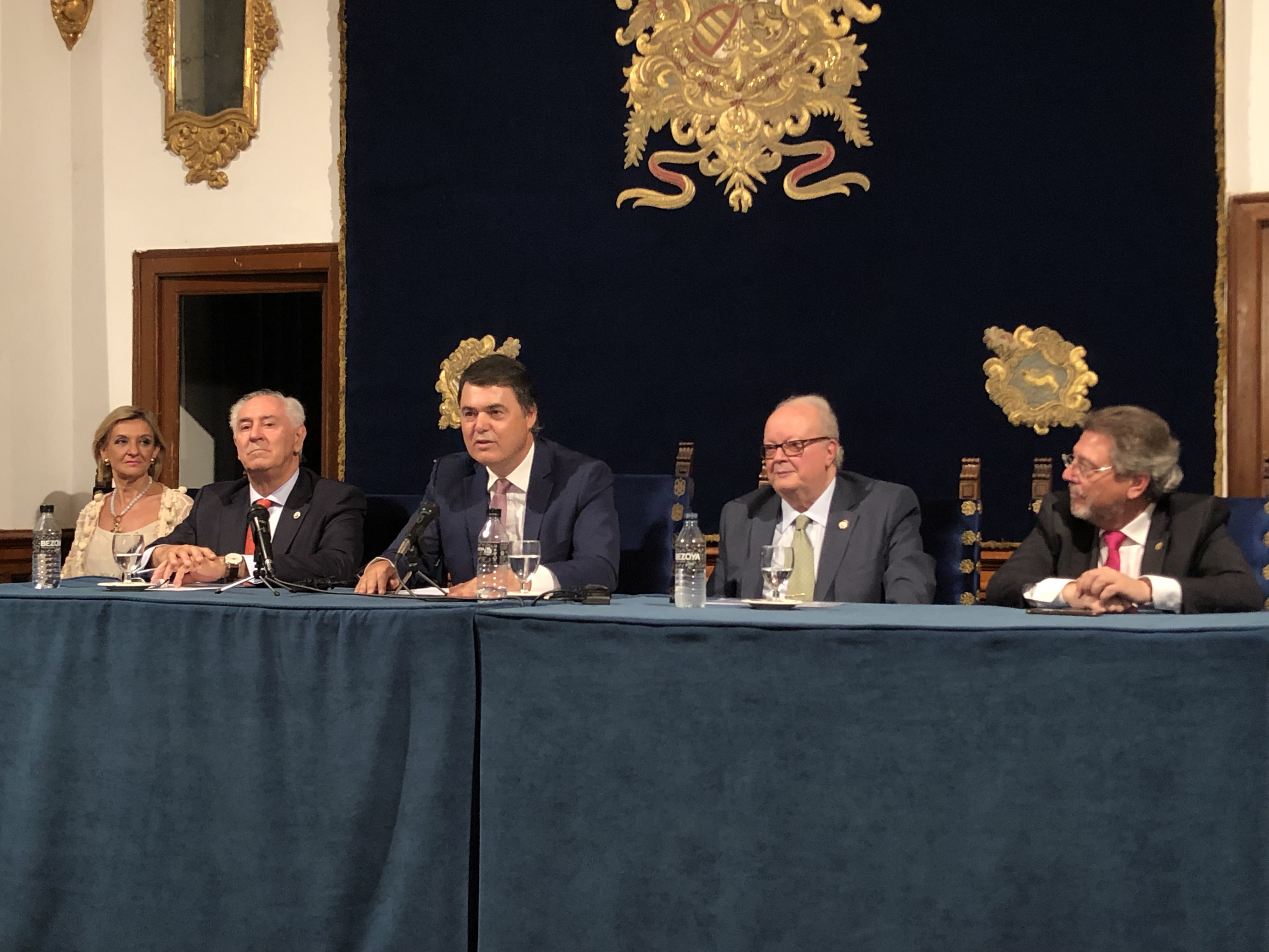 Carlos Rojas exige aclaraciones al Gobierno por los cambios en los horarios del AVE