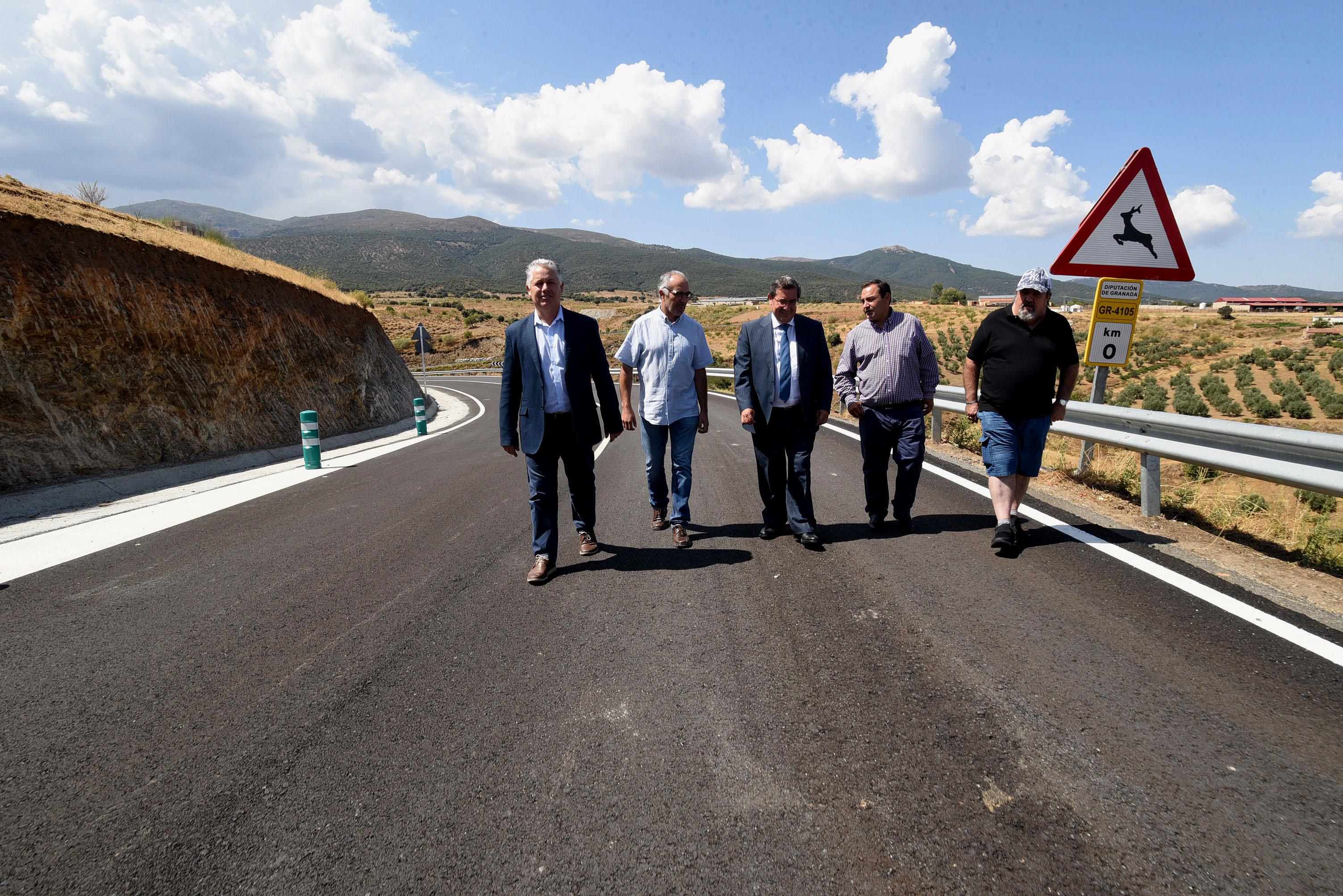 La Diputación termina la mejora de la carretera de acceso a Lugros
