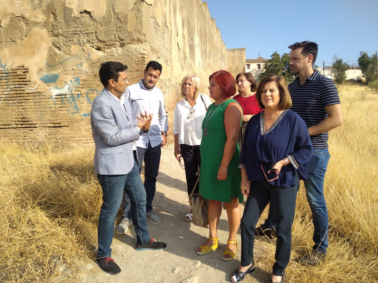 """El PSOE agradece la """"sensibilidad"""" del Gobierno con el mantenimiento de la muralla nazarí"""