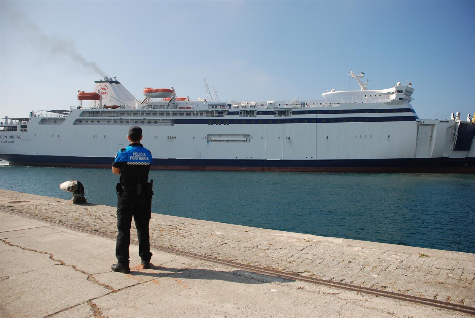 La línea marítima entre Motril y Melilla crece un 118% durante la OPE