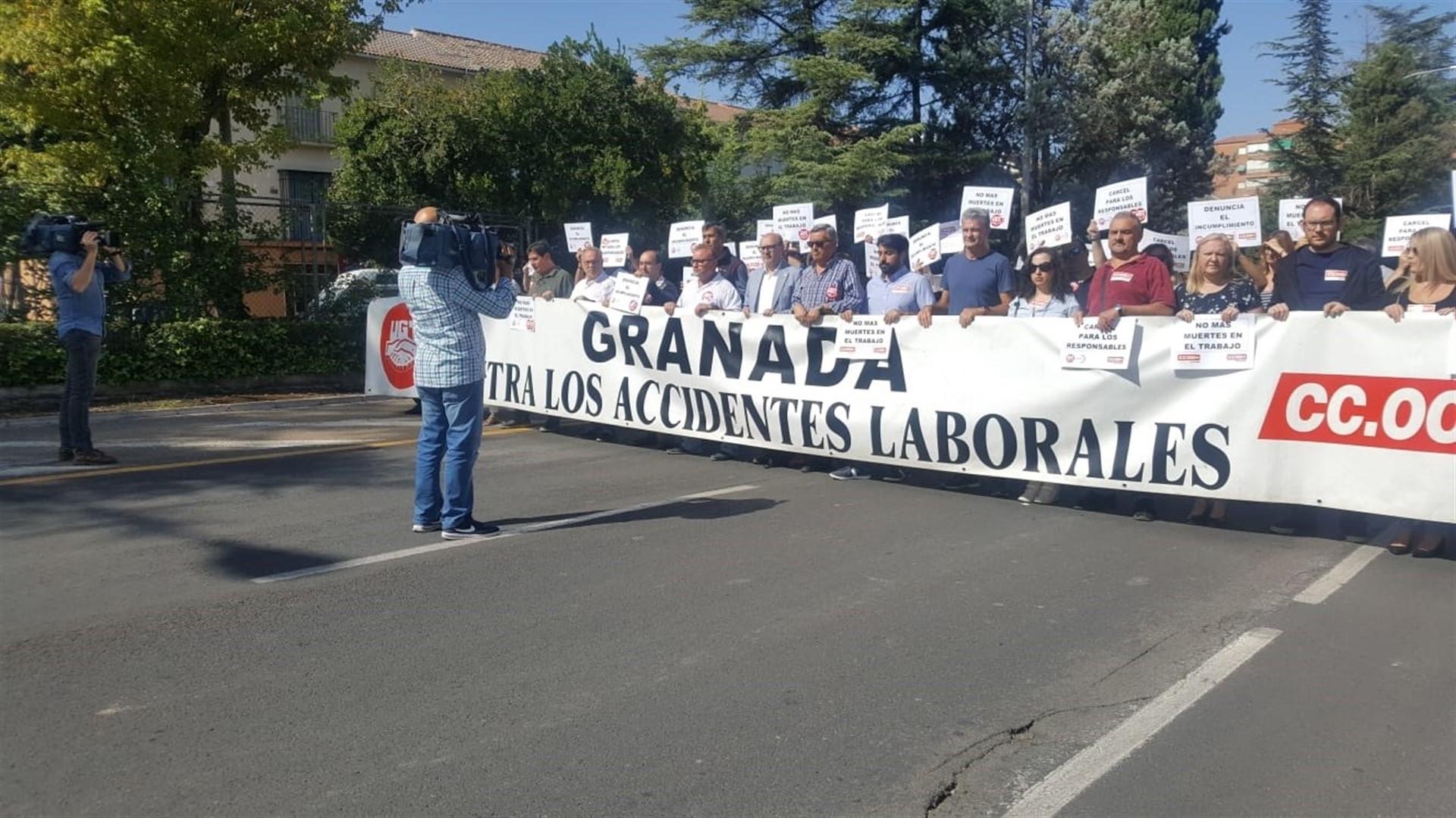 UGT y CCOO piden más medidas de seguridad laboral tras el accidente mortal de Alhendín