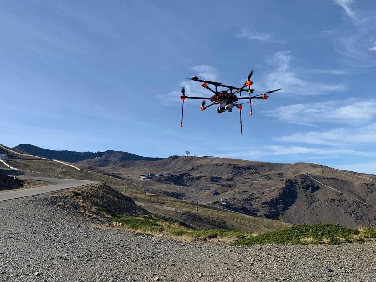 Sierra Nevada cartografía desde el aire el área esquiable para mejorar la producción de nieve