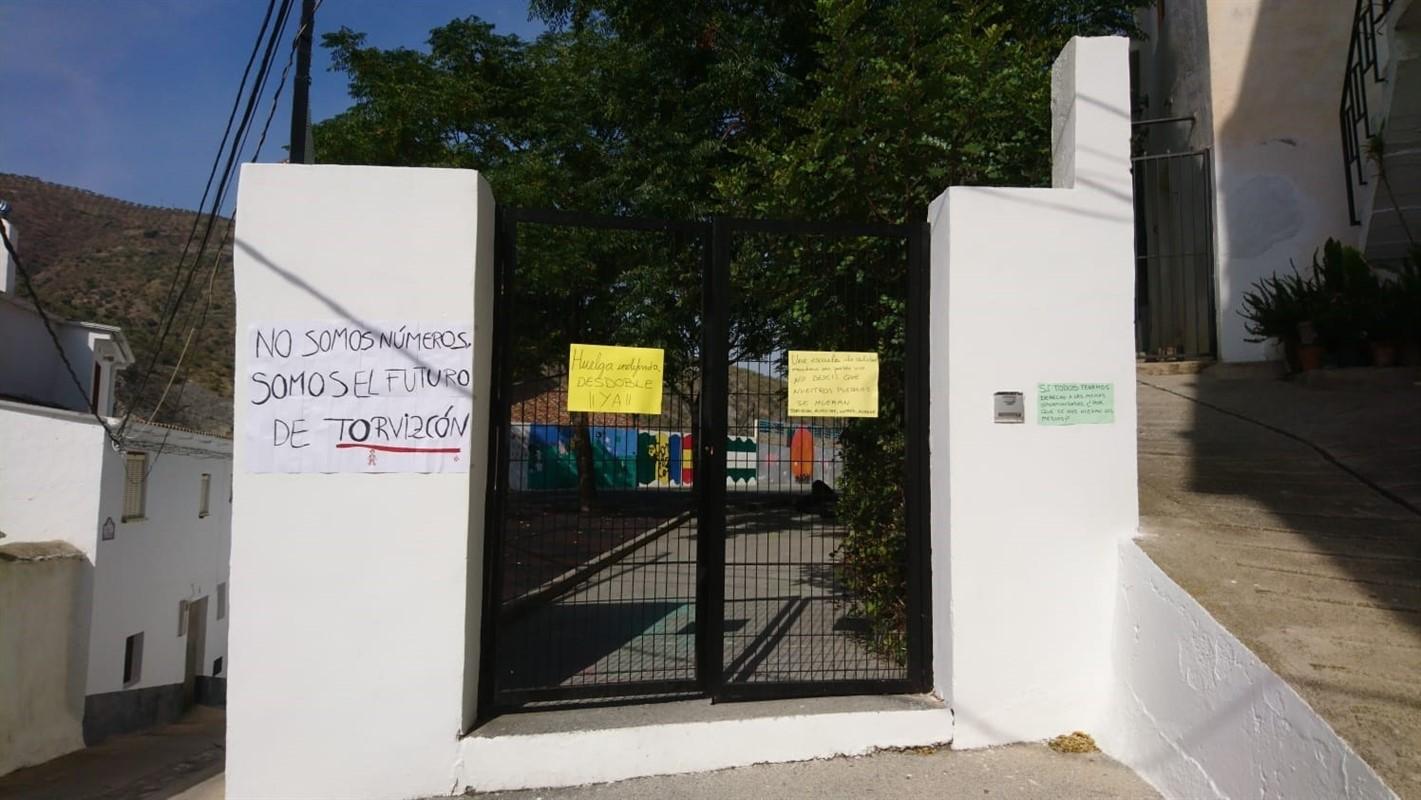 Alumnos del colegio rural de Torvizcón regresan a las aulas tras dos semanas de huelga