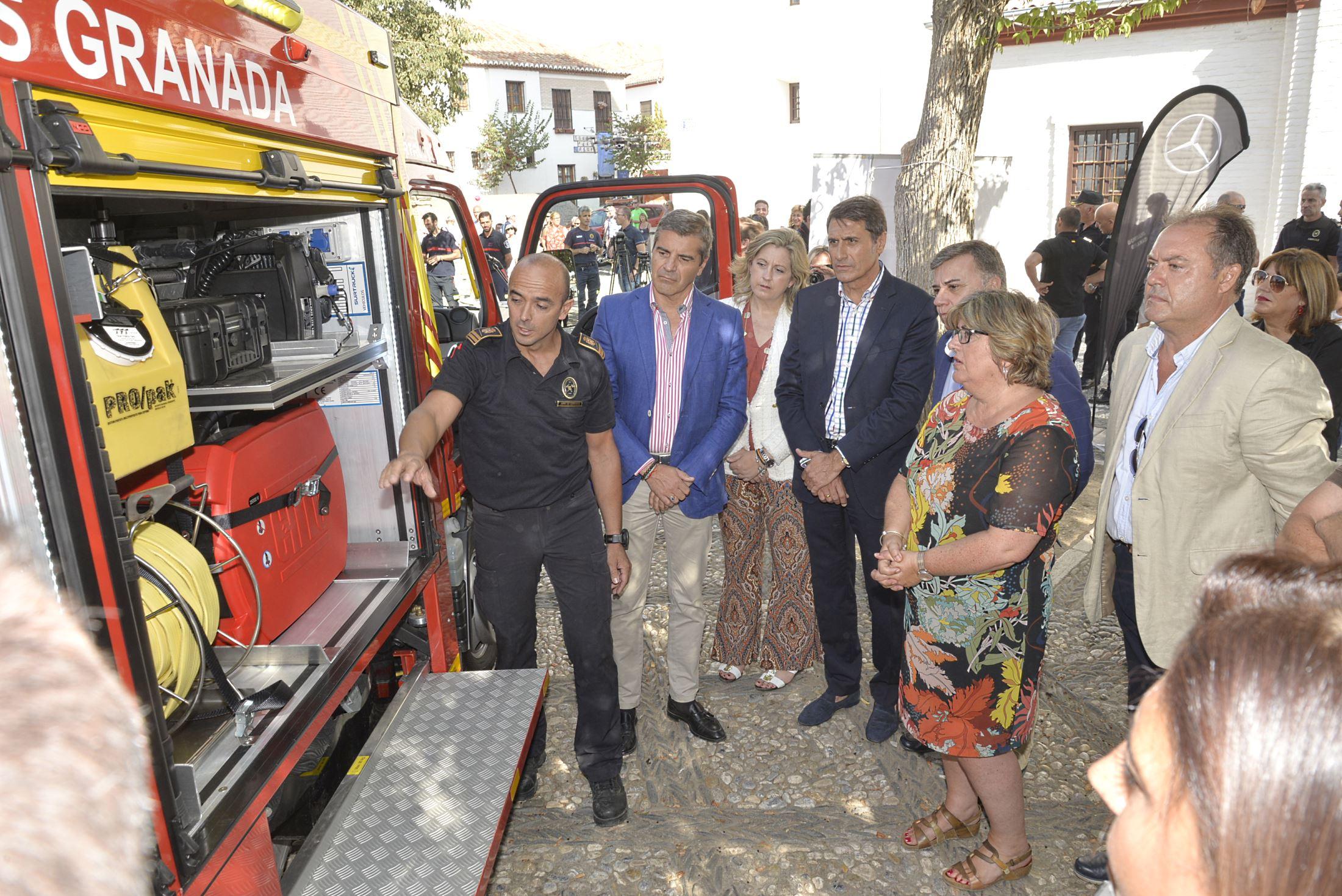 Los vehículos de bomberos más pequeños del mercado llegan al Albaicín