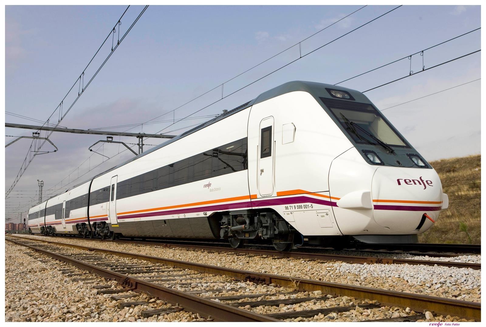Renfe incorpora tres nuevos servicios entre Granada y Málaga