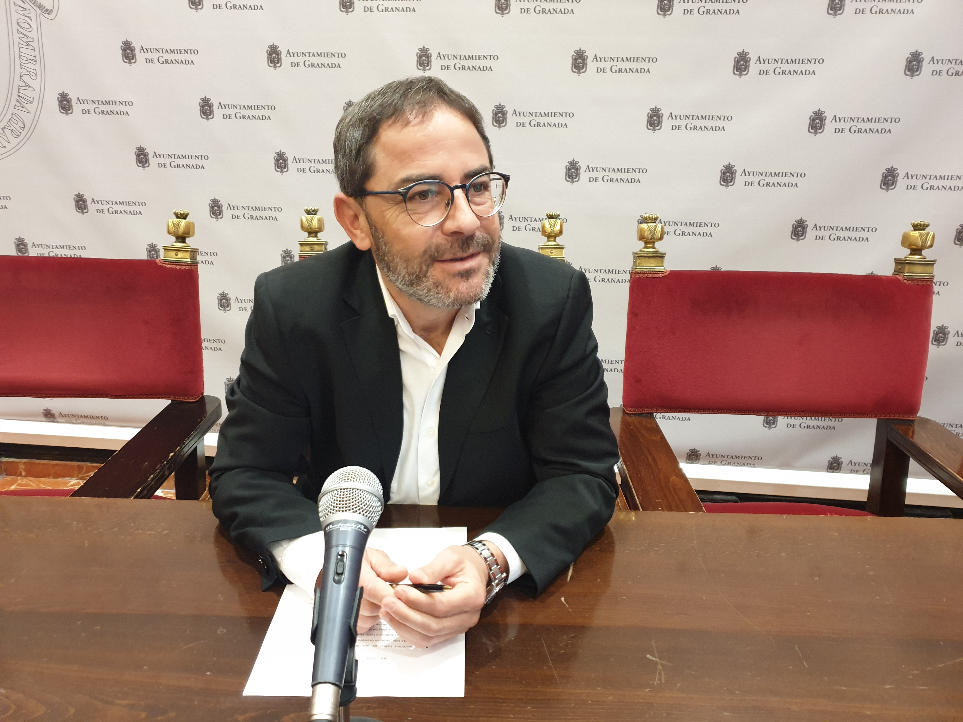 El PSOE critica la destitución del director del gabinete jurídico del Ayuntamiento