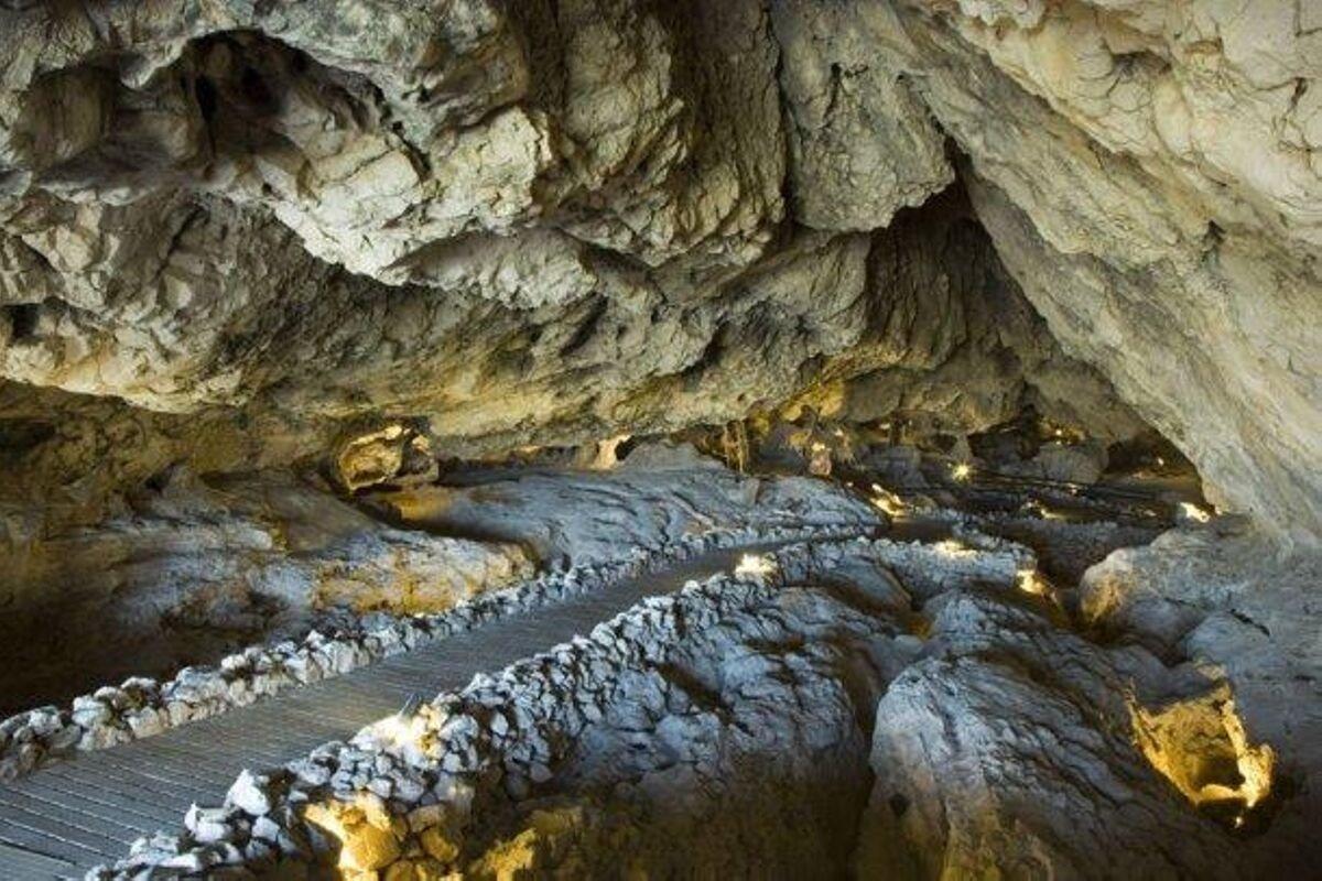 La Cueva de las Ventanas también cierra para evitar contagios