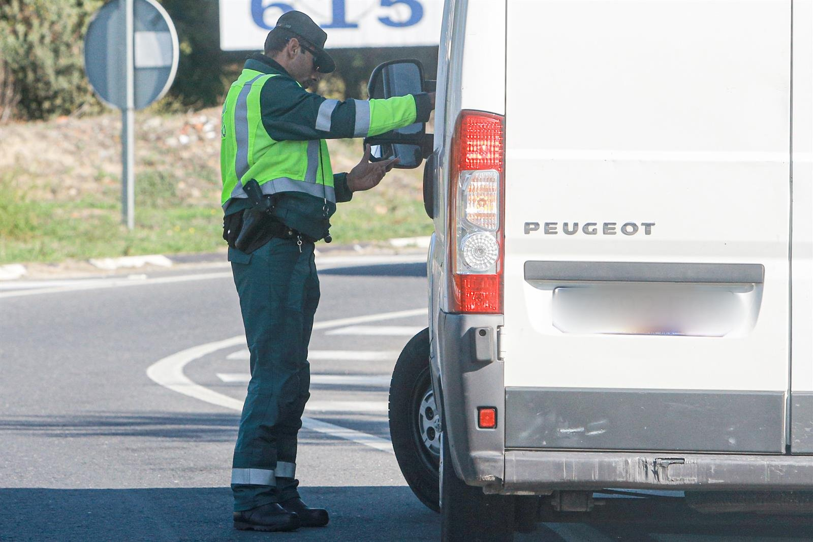 Detenidos en Atarfe tras ser sorprendidos robando cable de cobre en una empresa