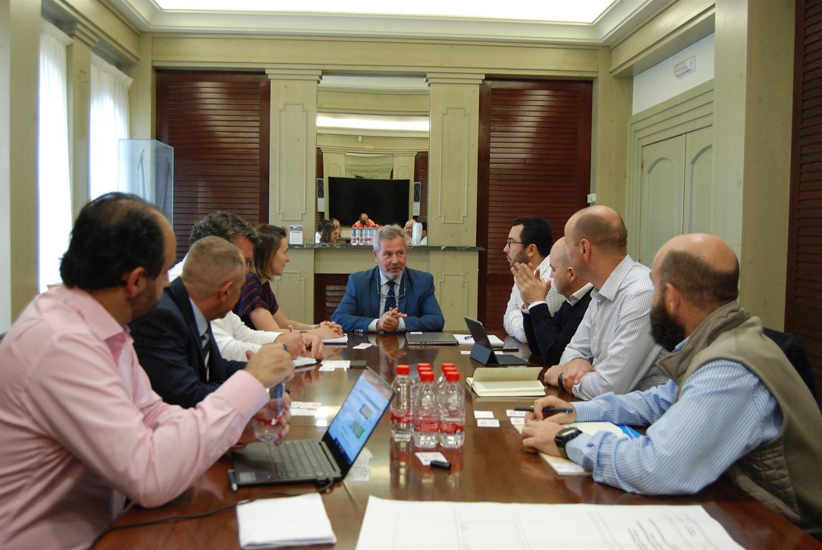 Inditex y Renault buscan fórmulas para optimizar las exportaciones de Motril a Marruecos