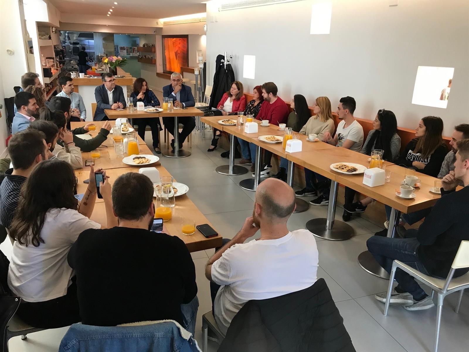 #10N El PSOE sitúa como «prioritaria» la educación universitaria frente a los «recortes y obstáculos» del PP
