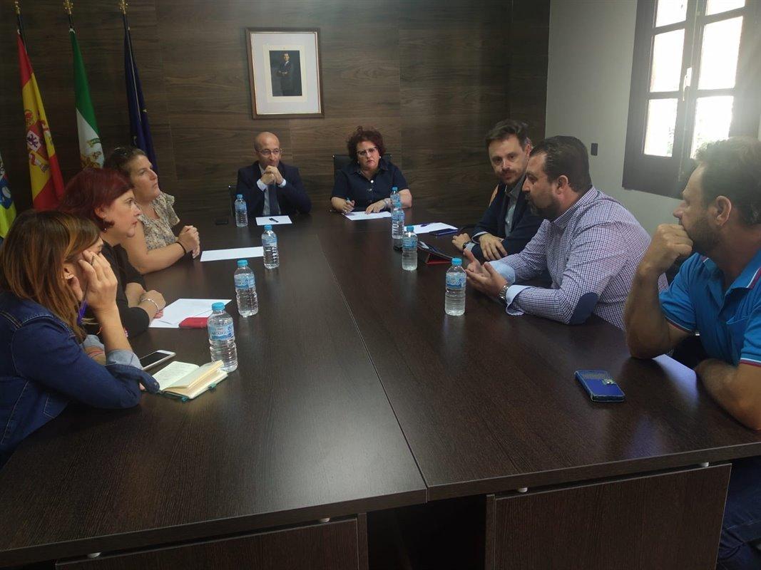 PSOE reclama soluciones para los colegios de la Alpujarra tras «un mes de oídos sordos»