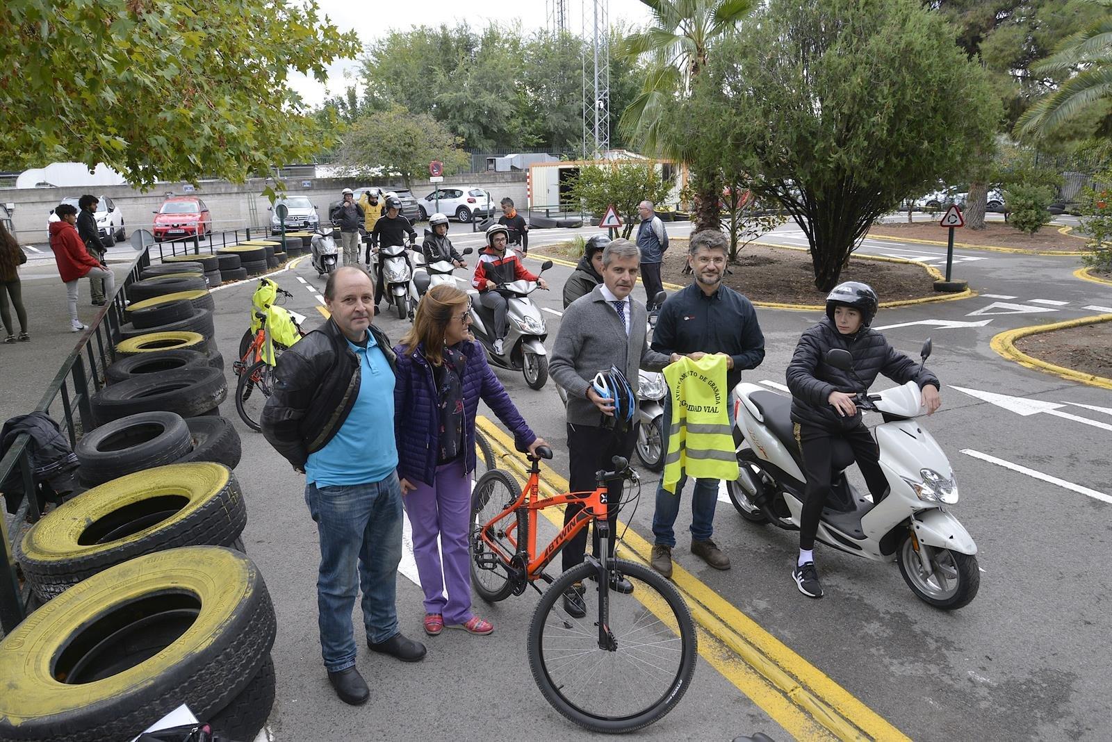 El Ayuntamiento aumentará el número de plazas de aparcamiento para motos