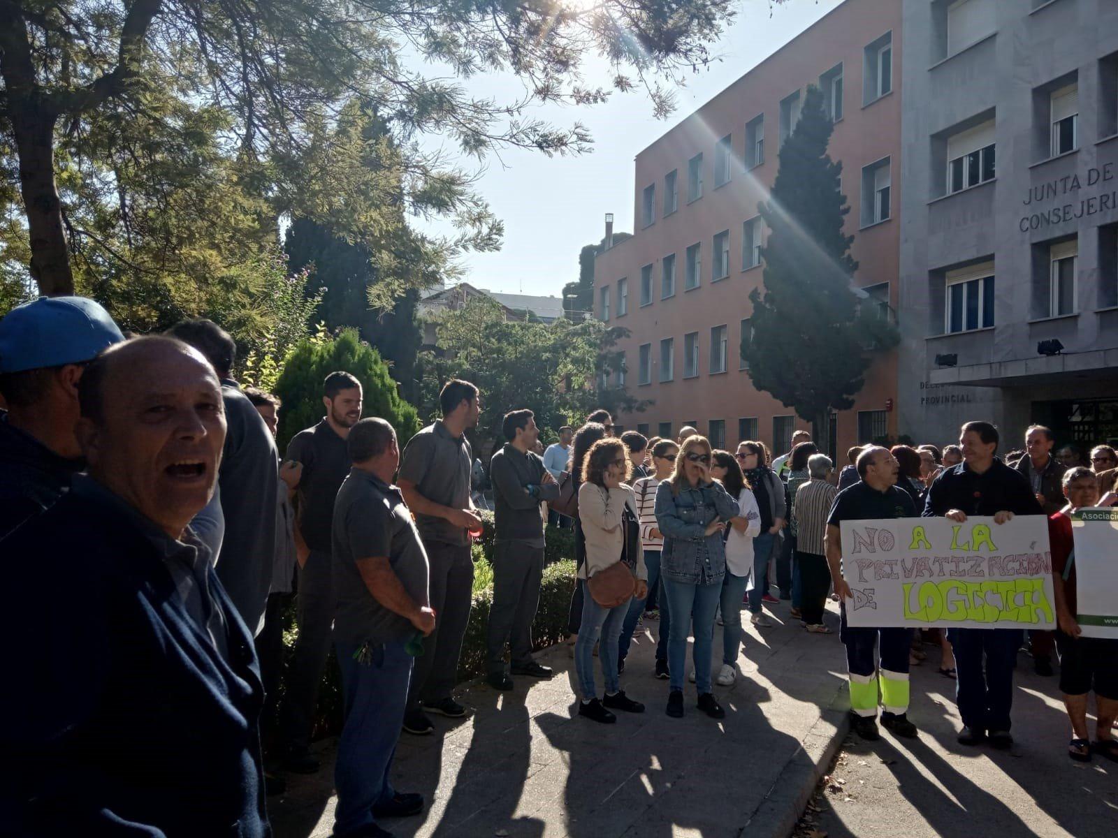 Trabajadores de hospitales reclaman que se hagan todas las contrataciones programadas