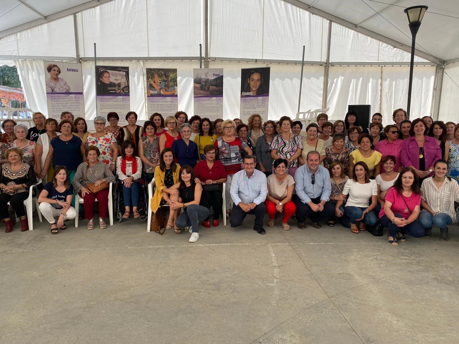 Granada resalta la importancia de la mujer rural como arma contra la despoblación