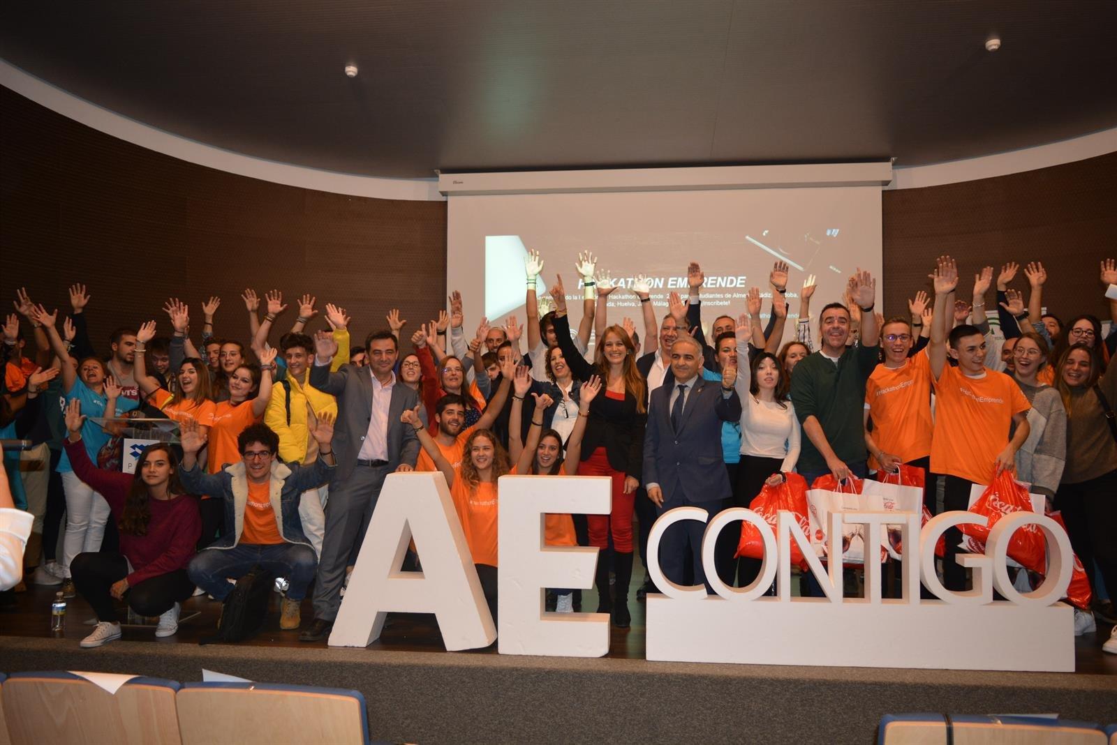 La idea de un recipiente que evite el uso de plásticos gana el concurso 'Hackathon Emprende'