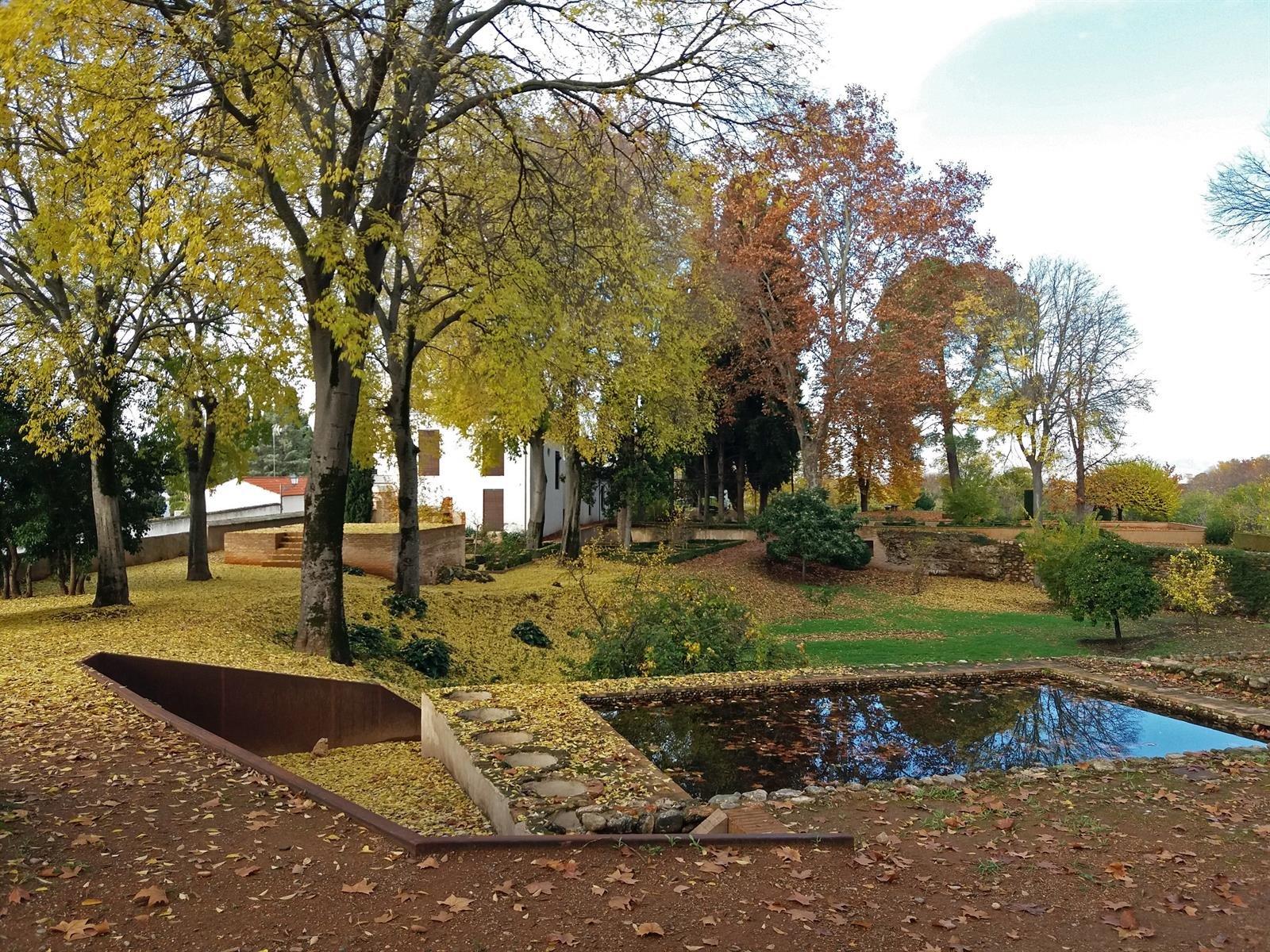La Alhambra abre por primera vez los jardines del Carmen de Peñapartida