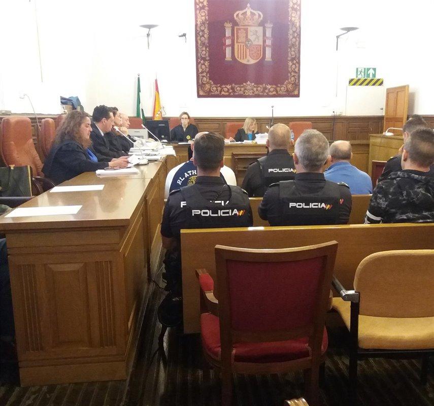 Niega que matara al hombre hallado en el maletero de su coche en Huelva