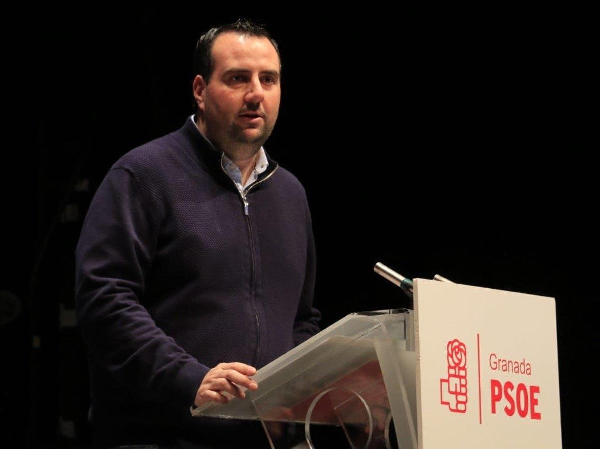 El PSOE responde a Pérez que «está desacreditado dentro y fuera del PP» por causas judiciales