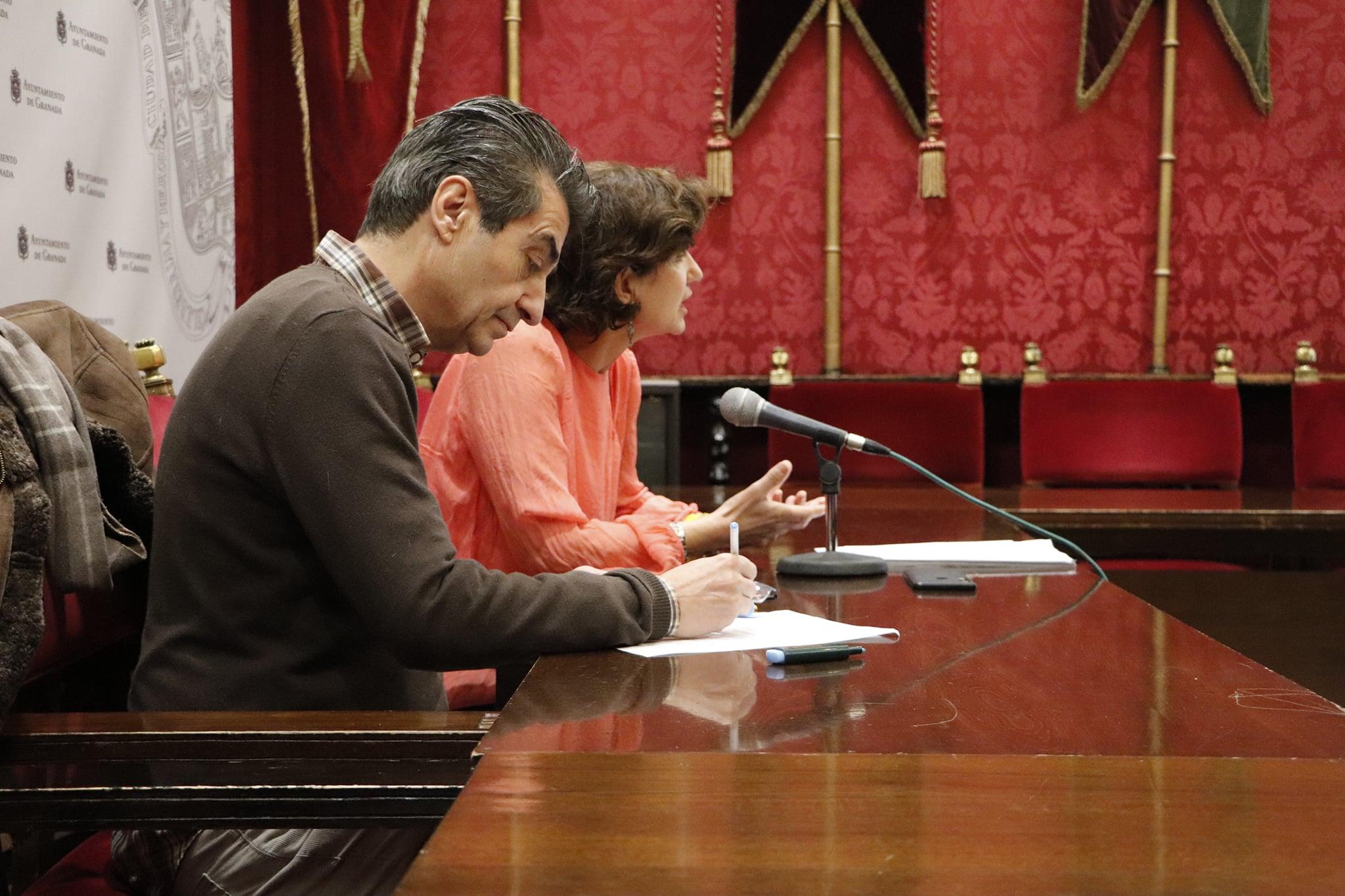 Podemos-IU se reunirá con los dirigentes del Granada CF para que deje de publicitar casas de apuestas