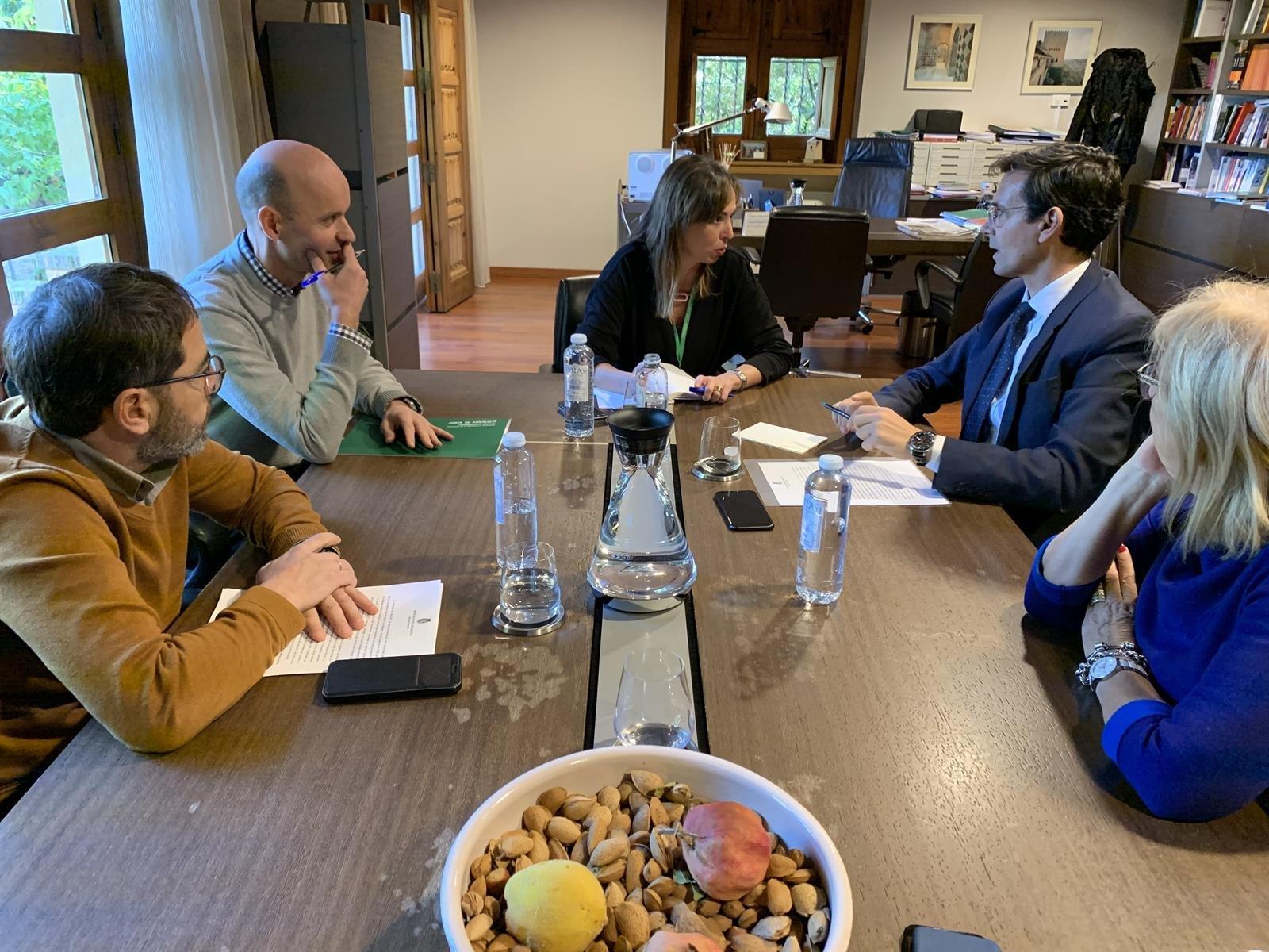 Cuenca se reúne con Patronato de la Alhambra ante la «parálisis institucional del gobierno del PP y Cs»