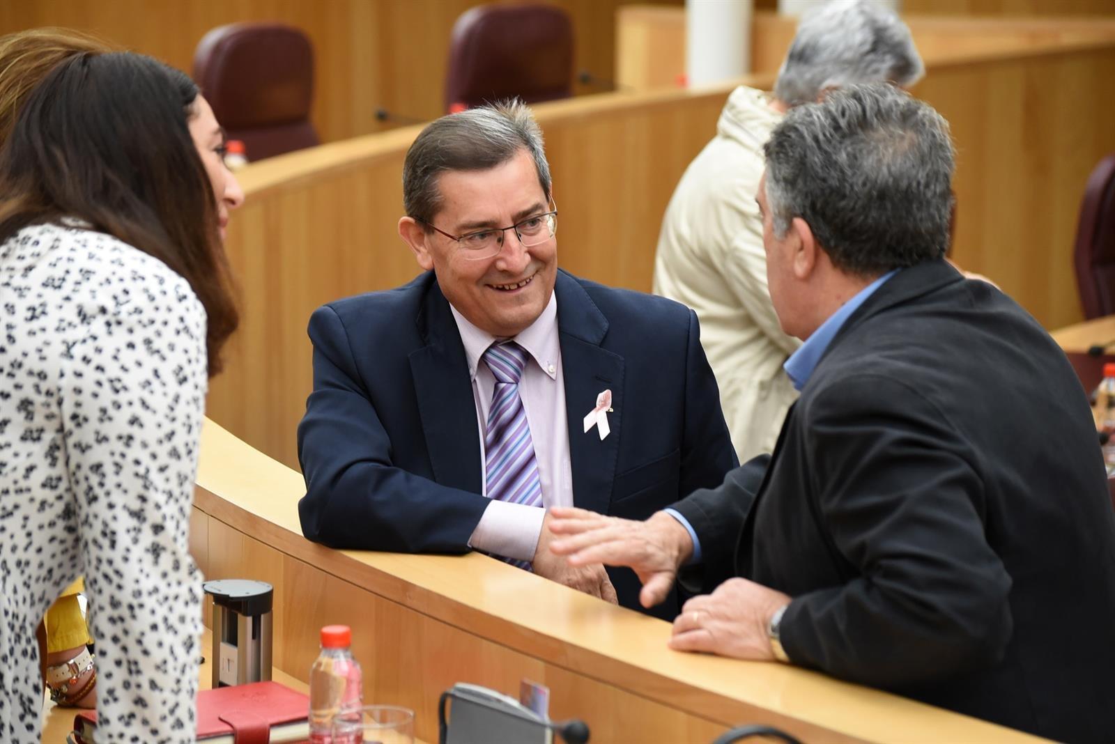 La Diputación pide a Juanma Moreno que intervenga para desbloquear la construcción de la línea 400 kV